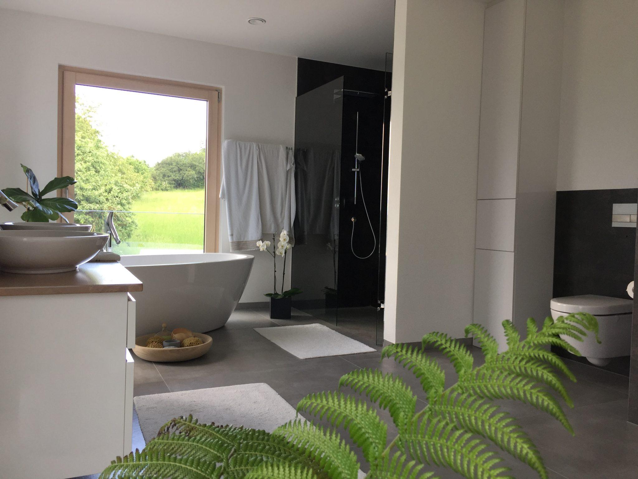 Neues Badezimmer mit WOW-Effekt | fliesenraum – Ihre ...